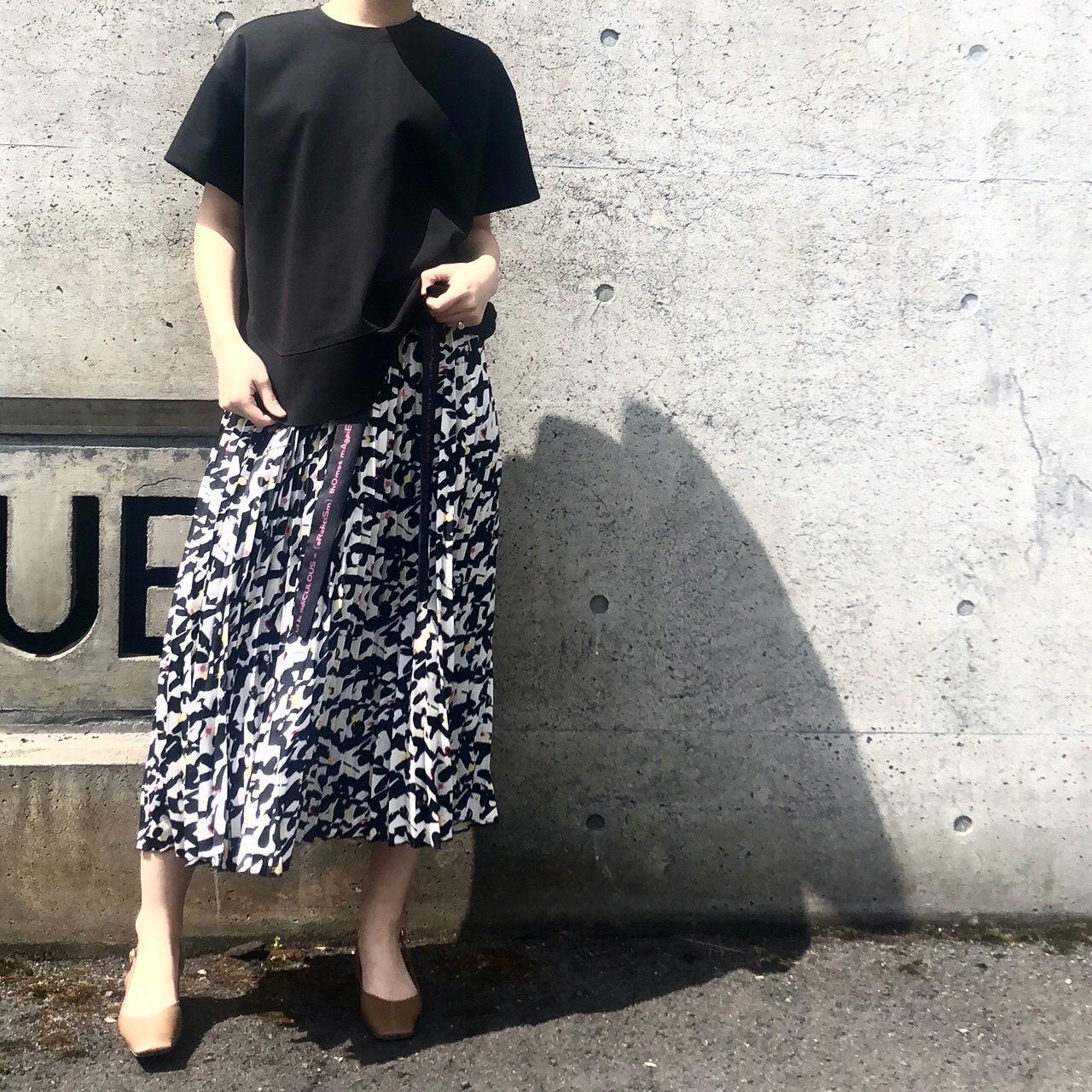 【 THOMAS MAGPIE 】- 2201609 - Pliated long skirt