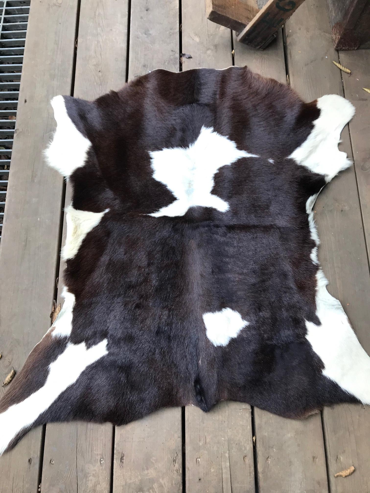 子牛のラグ ラグマット 毛皮 インテリア