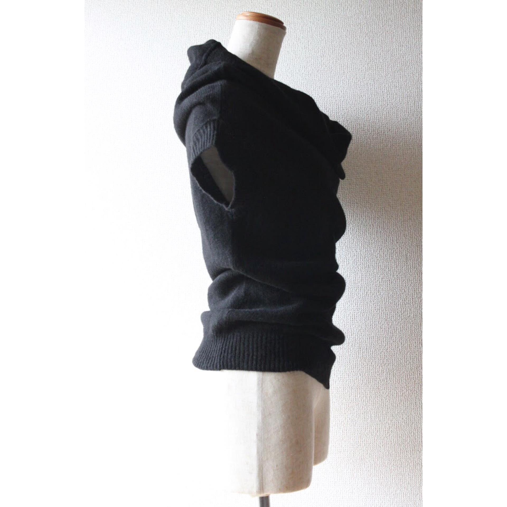 Sleeveless draping knit by Yohji Yamamoto +NOIR