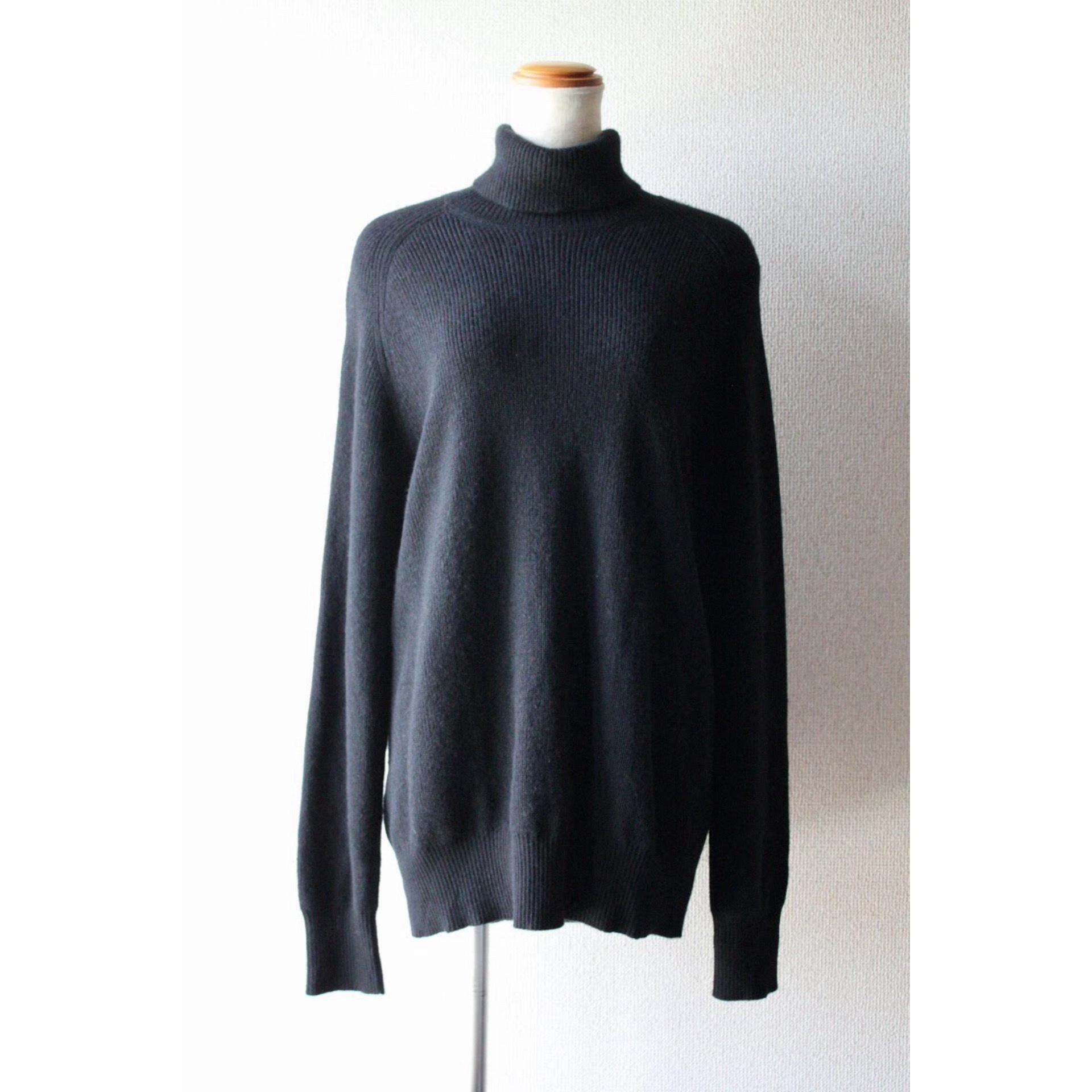 Vintage turtle neck cashmere sweater