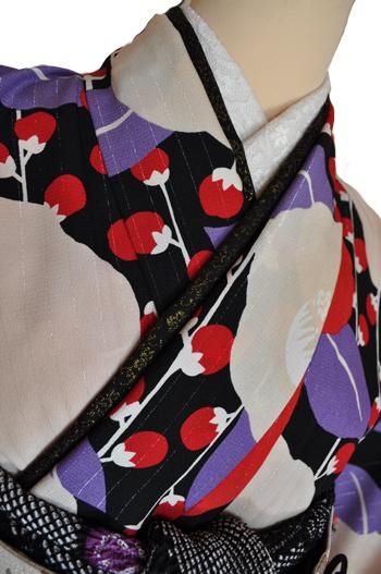 レンタル着物612-2「パーティーきものレンタル」和風館黒・赤・紫のシックでオシャレな柄【往復送料無料】 - 画像4