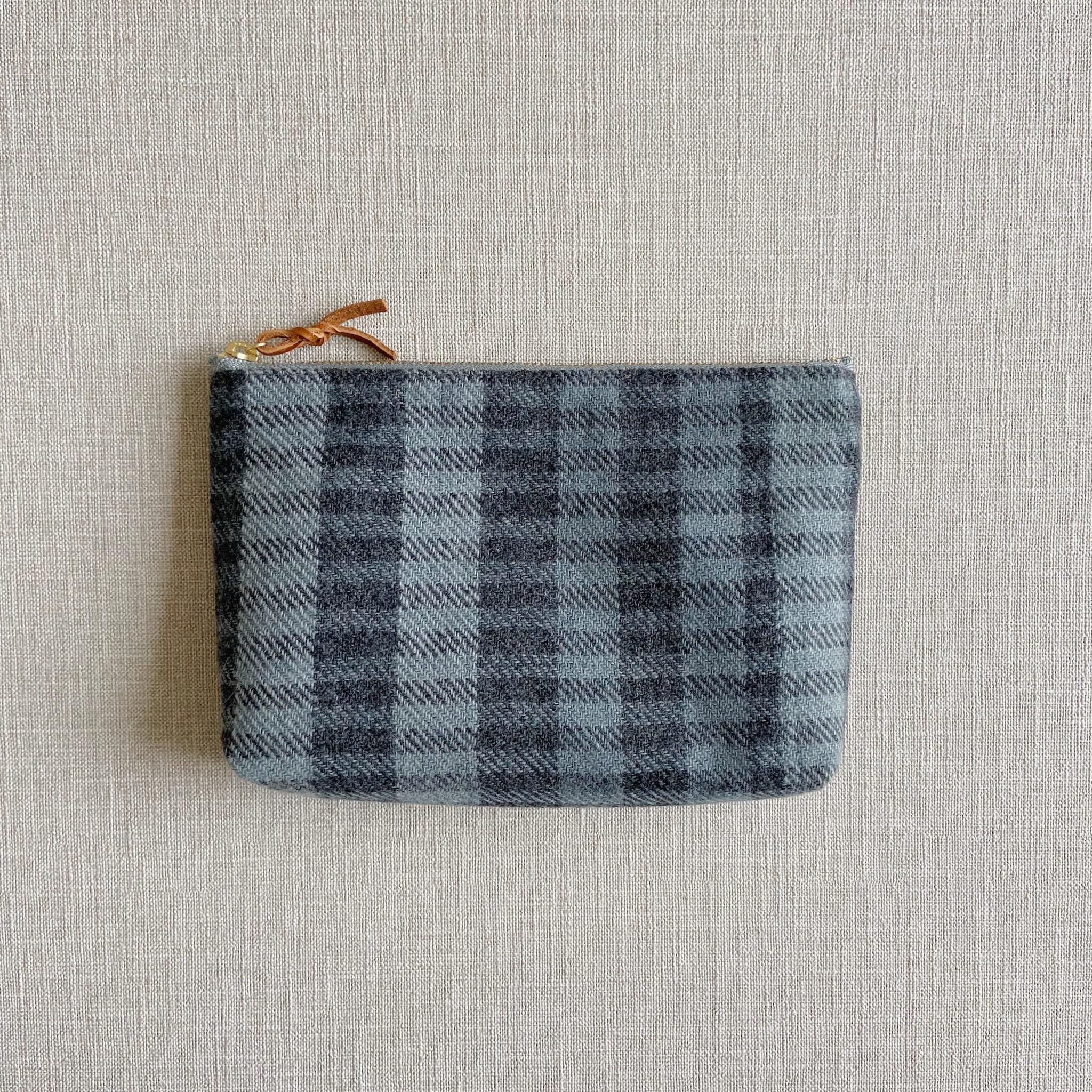 手織りメイクポーチ (Make up bag Cashmere Ice Blue)