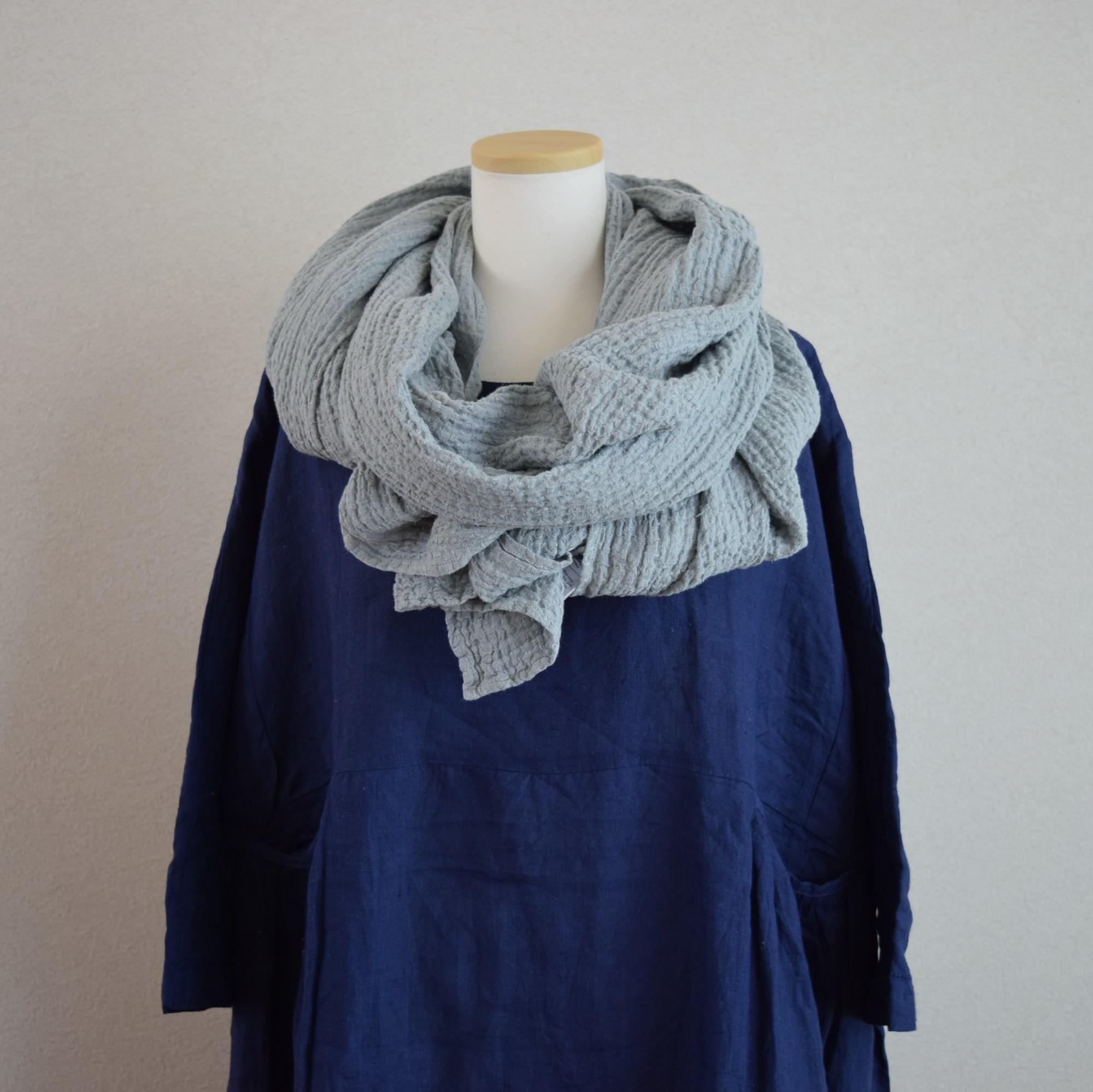 [LINEN TALES]羽織れるリネンのワッフルストール_ライトグレー