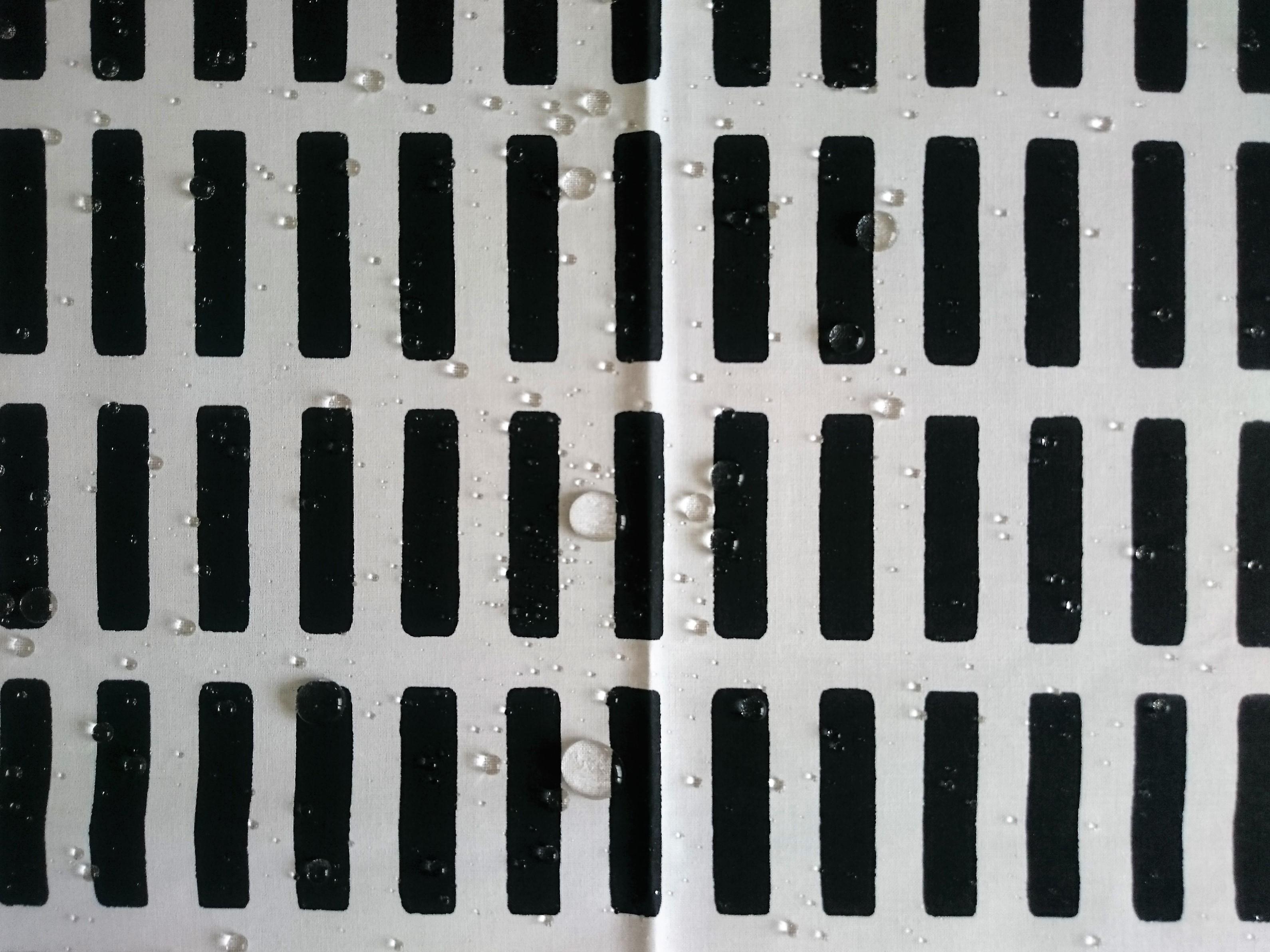 テキスタイル / artek / SIENA (BK) コーティッドコットン (72.5 x 49.5cm)