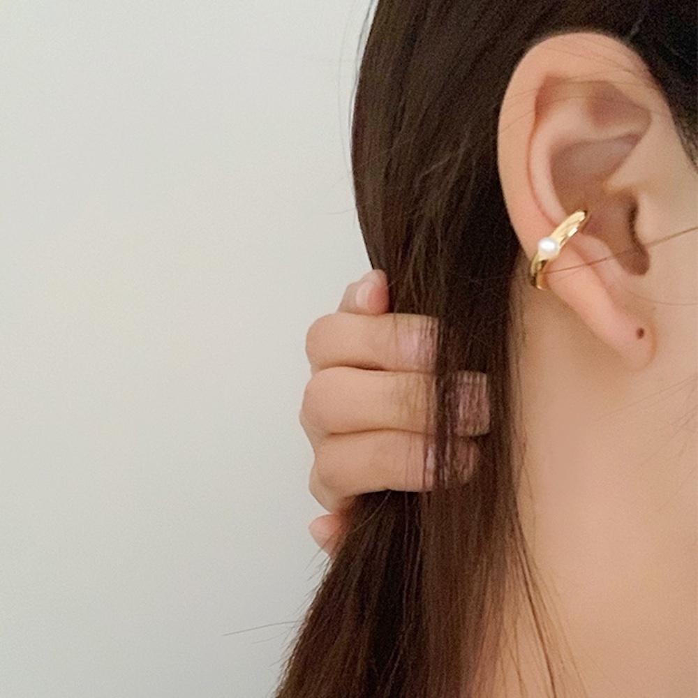 PE1003 - Pearl Ear Cuff