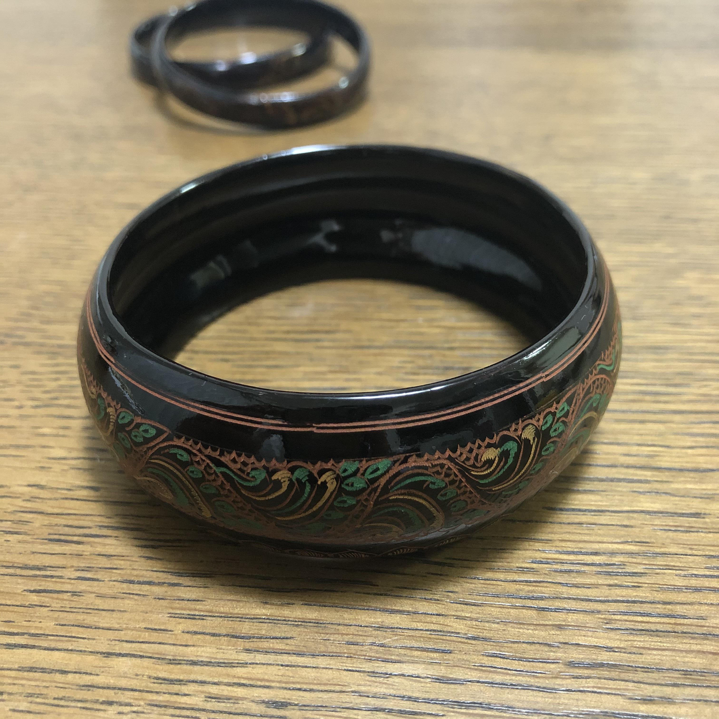ミャンマーの手作りブレスレット(漆:太)
