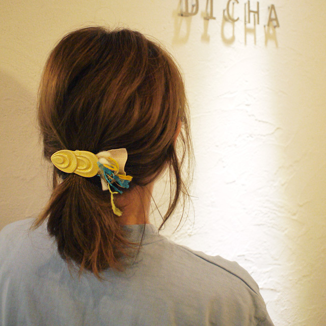 麻のブローチ 〈Fish〉Yellow