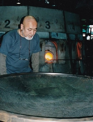 BASARA大皿制作風景 Creating a BASARA Large Plate