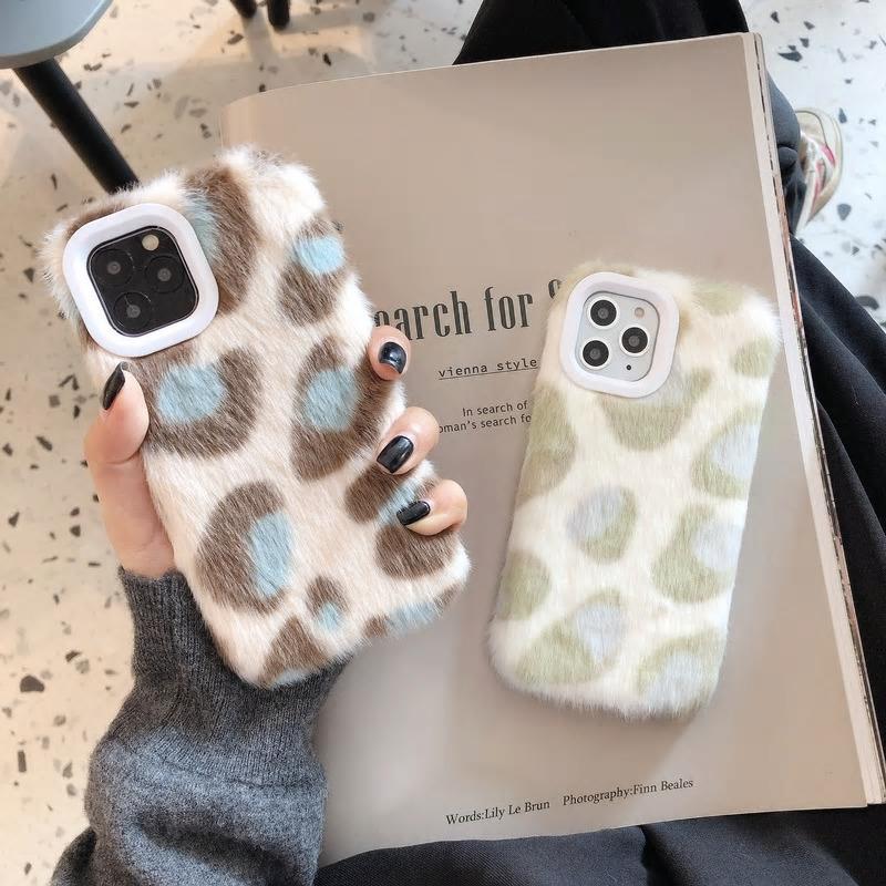 【お取り寄せ商品、送料無料】2カラー レオパード ひょう柄 ふわふわ iPhoneケース iPhone11