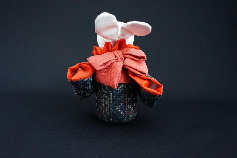 着物、和服の古布人形「着物を着たうさぎ」 - 画像3