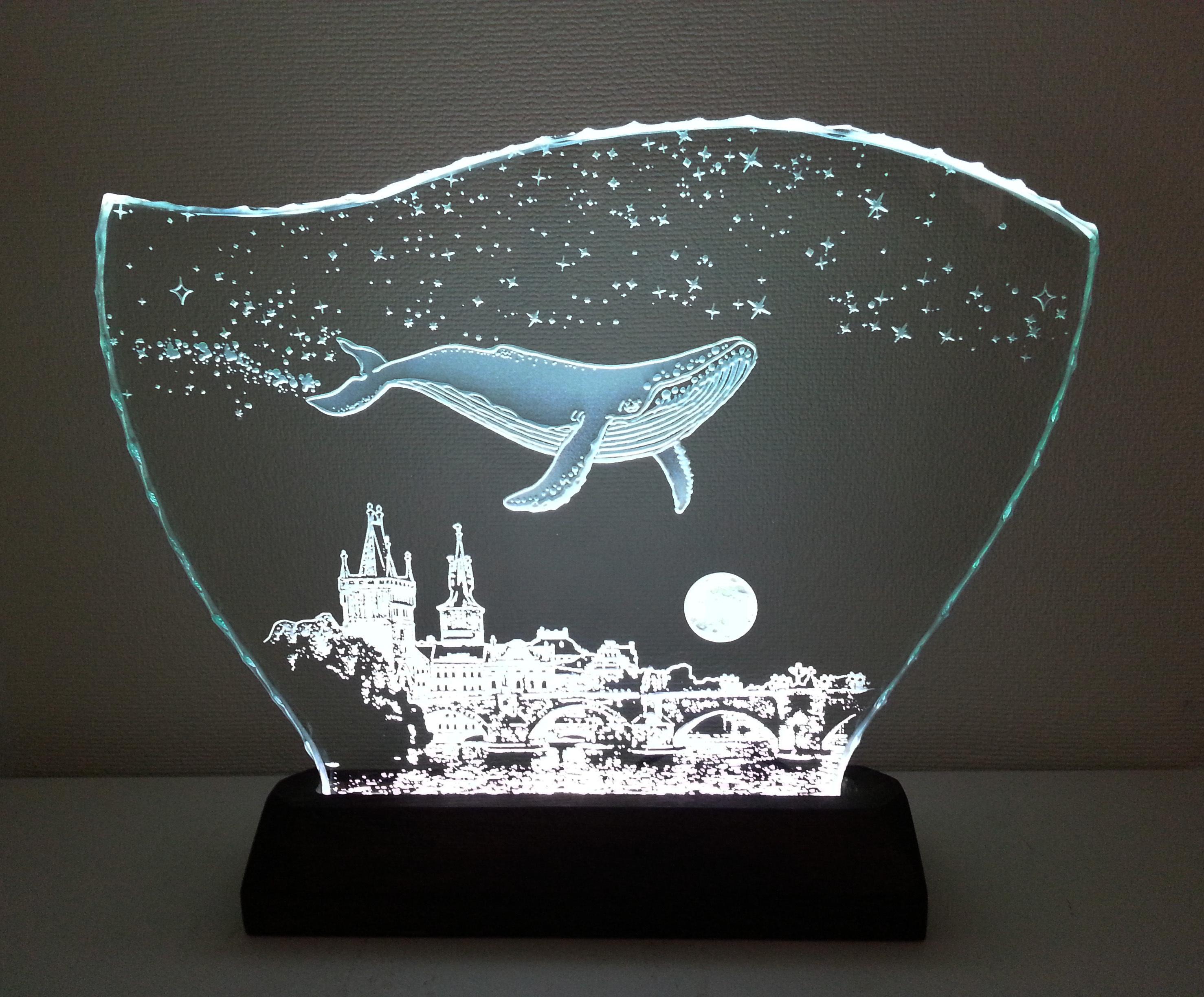 星降る夜・クジラ・プラハ ガラスエッチングパネル Lサイズ・LEDスタンドセット(ランプ・ライト・照明)