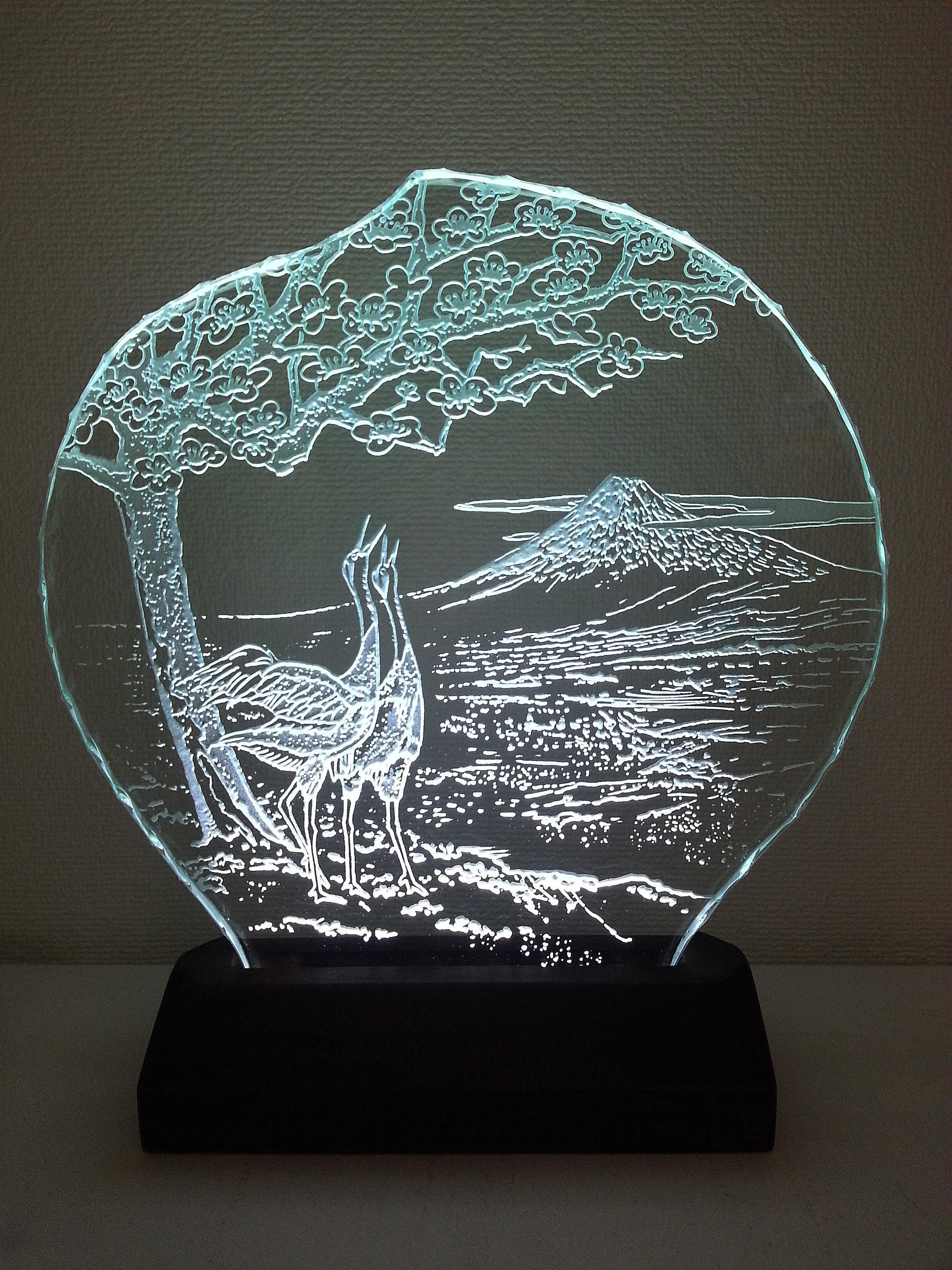 【新春・和】富士山・紅梅・丹頂鶴 ガラスエッチングパネル Mサイズ・LEDスタンドセット(ランプ・ライト・照明)