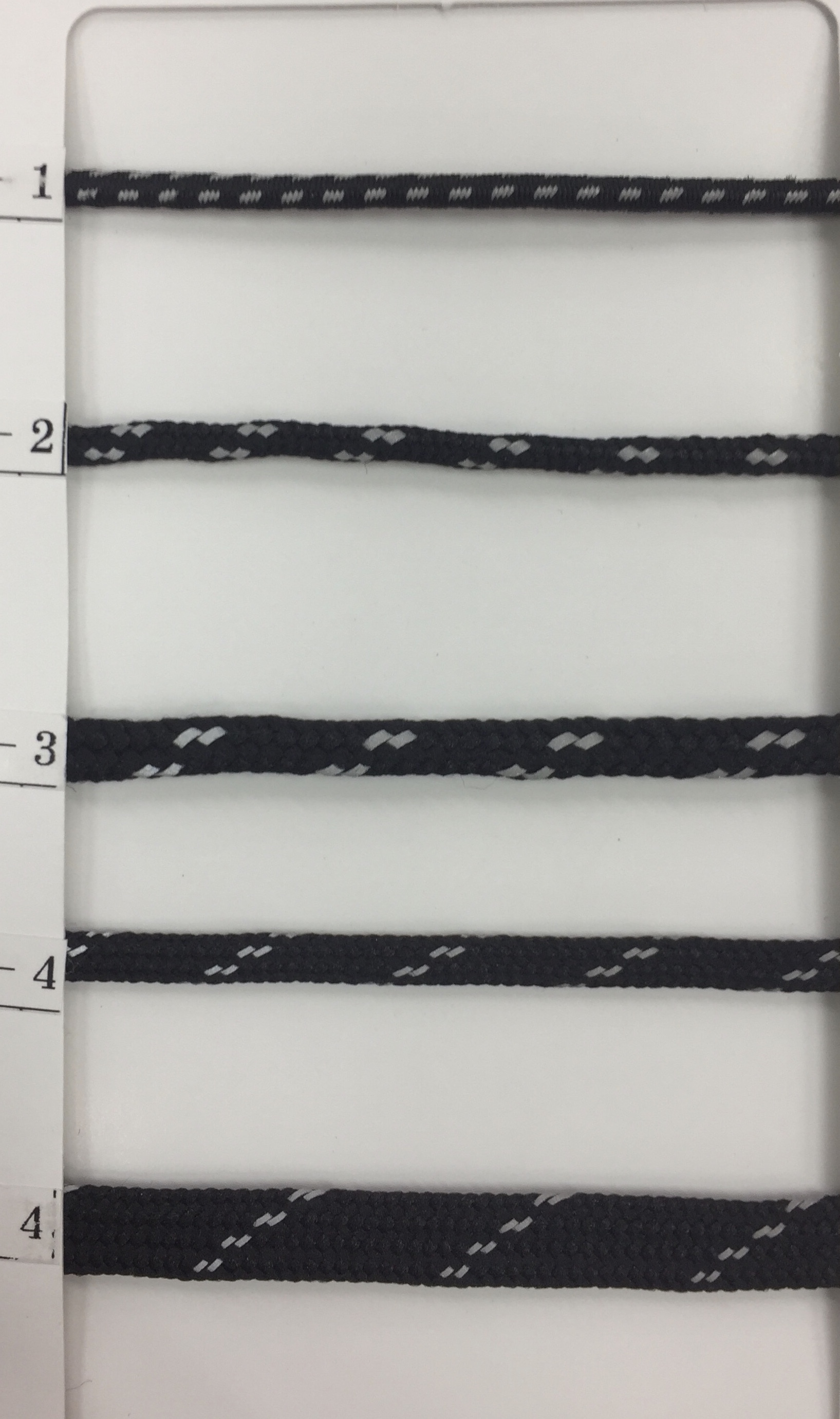 ゴム 丸 ゴムーコード 3㎜径 反射入り 黒 50m巻