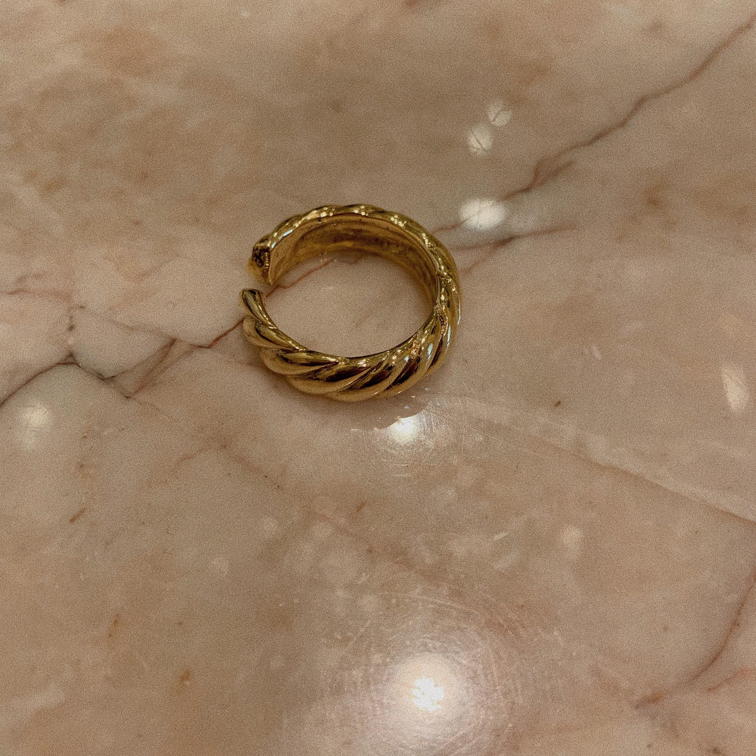 gold ring(twist)