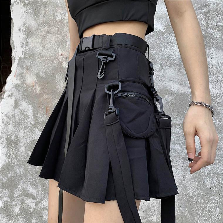 【送料無料】 コーデのアクセントに♡ モード系 カジュアルベルト ポケット付き ミニ丈 プリーツ ツーリング スカート