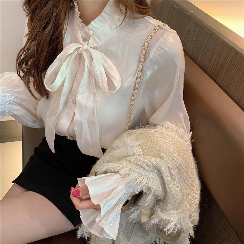 フリルネックのボウタイブラウス【frill neck bow-tie blouse】