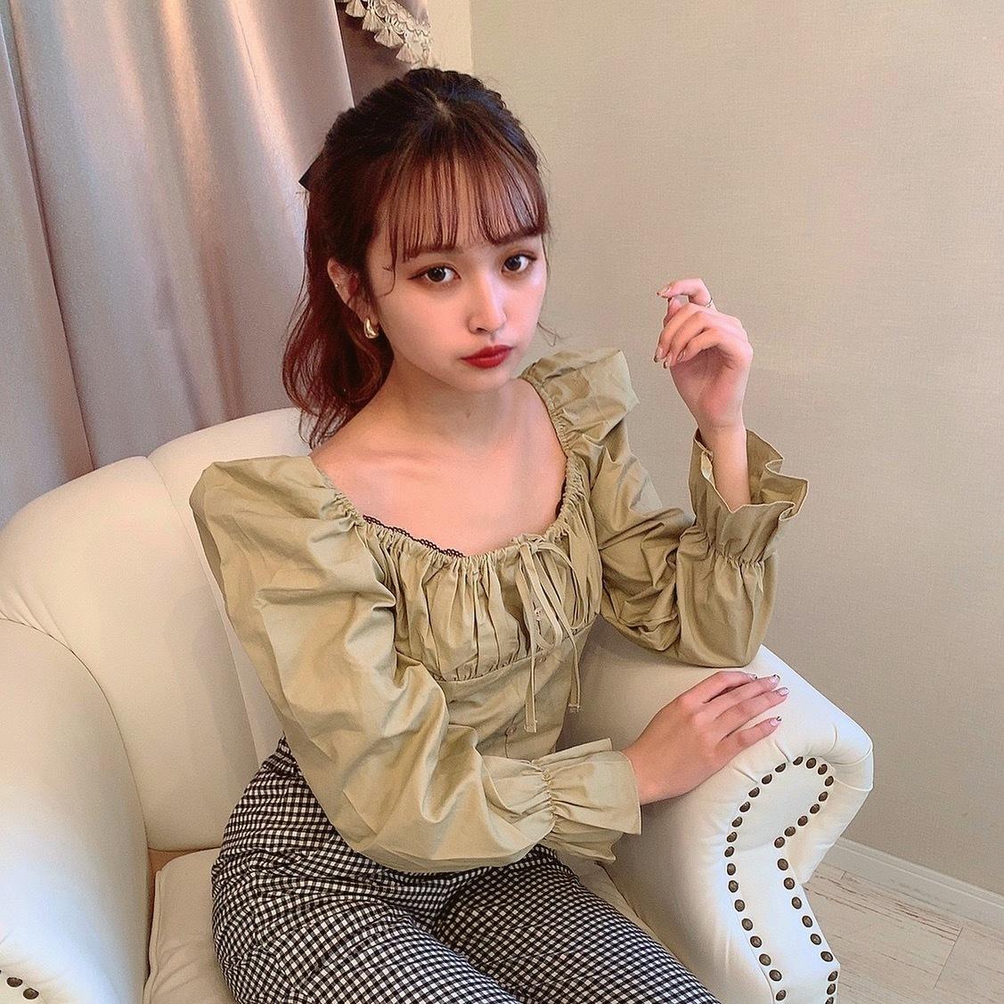 center ribbon blouse