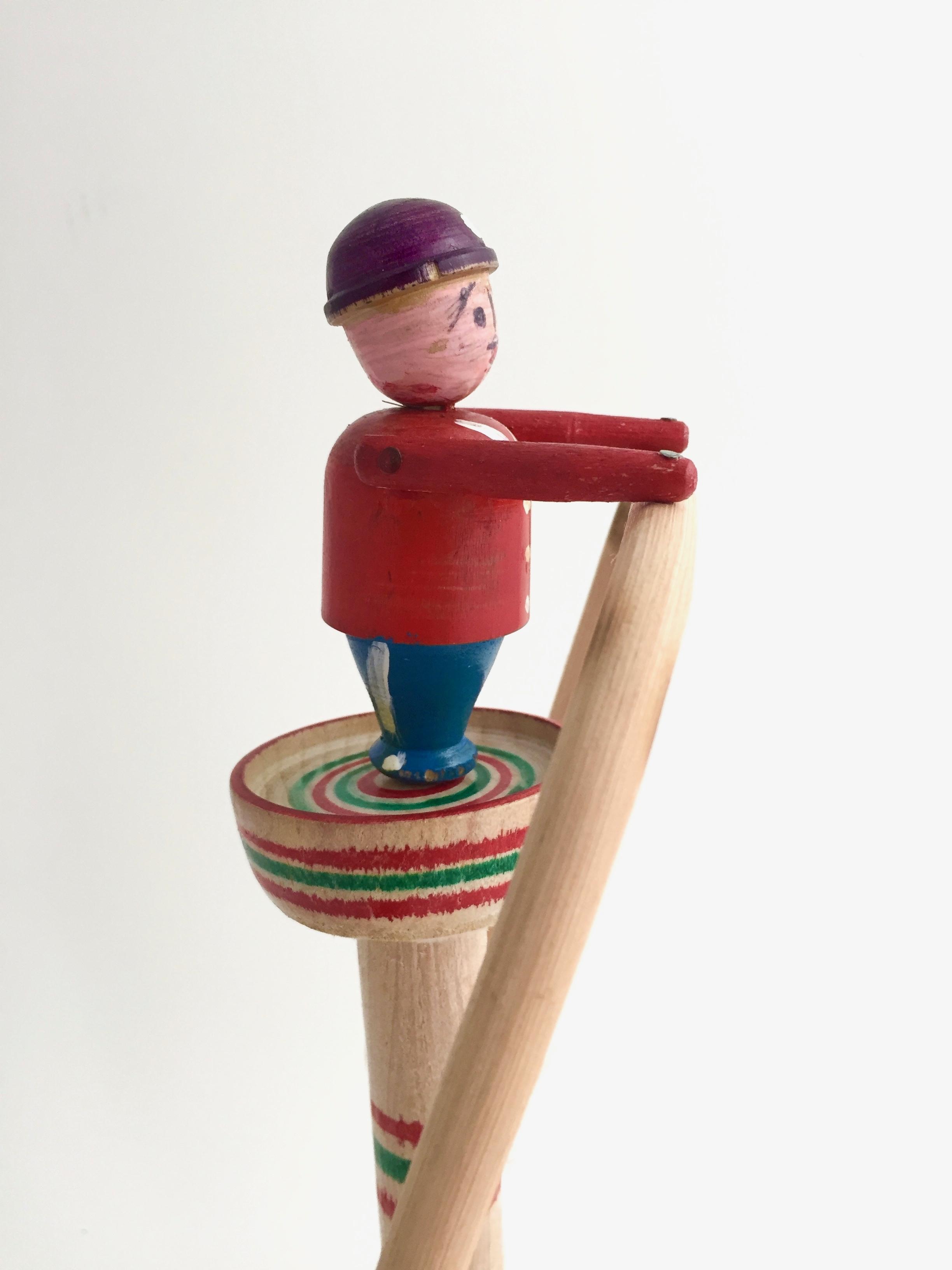 はりまや木地玩具「ヤジロベー」(あか色タイプ)