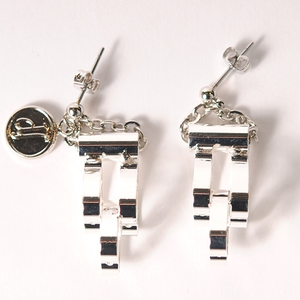 df18SS-J06 SQUARE PIERCE (silver)