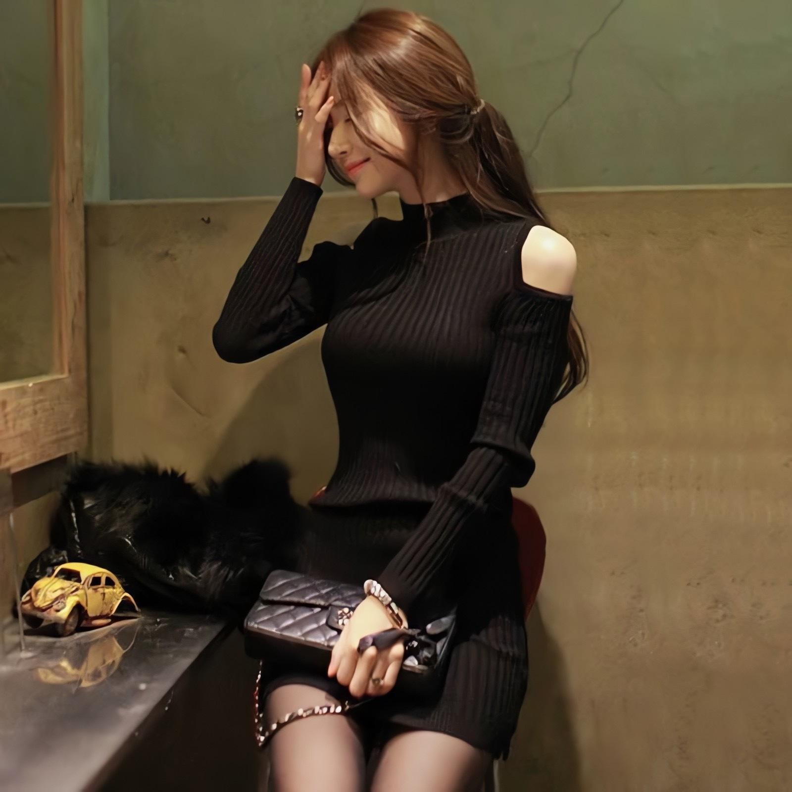 【即納】cut shoulder knit dress
