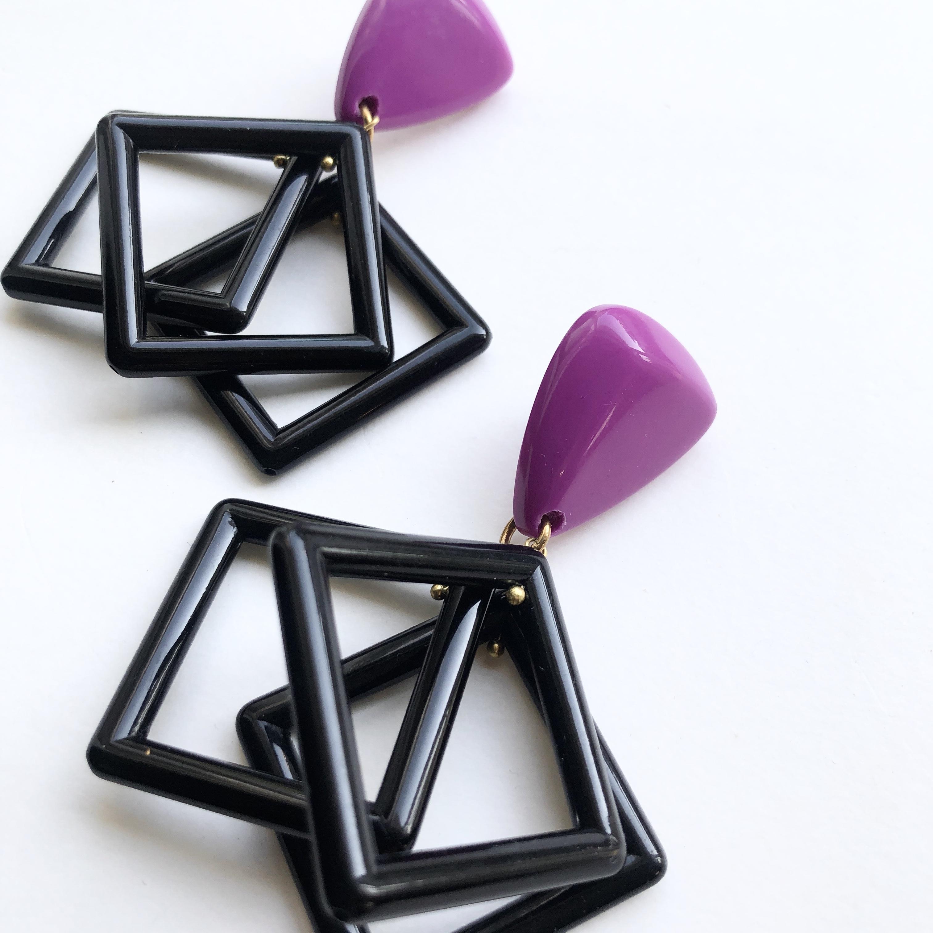 Lucite cube L-052