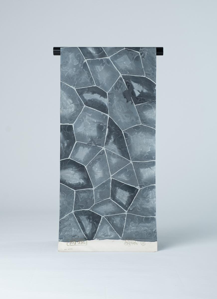 石畳風模様小紋の反物 丹後ちりめん 友禅染 正絹製 カジュアル