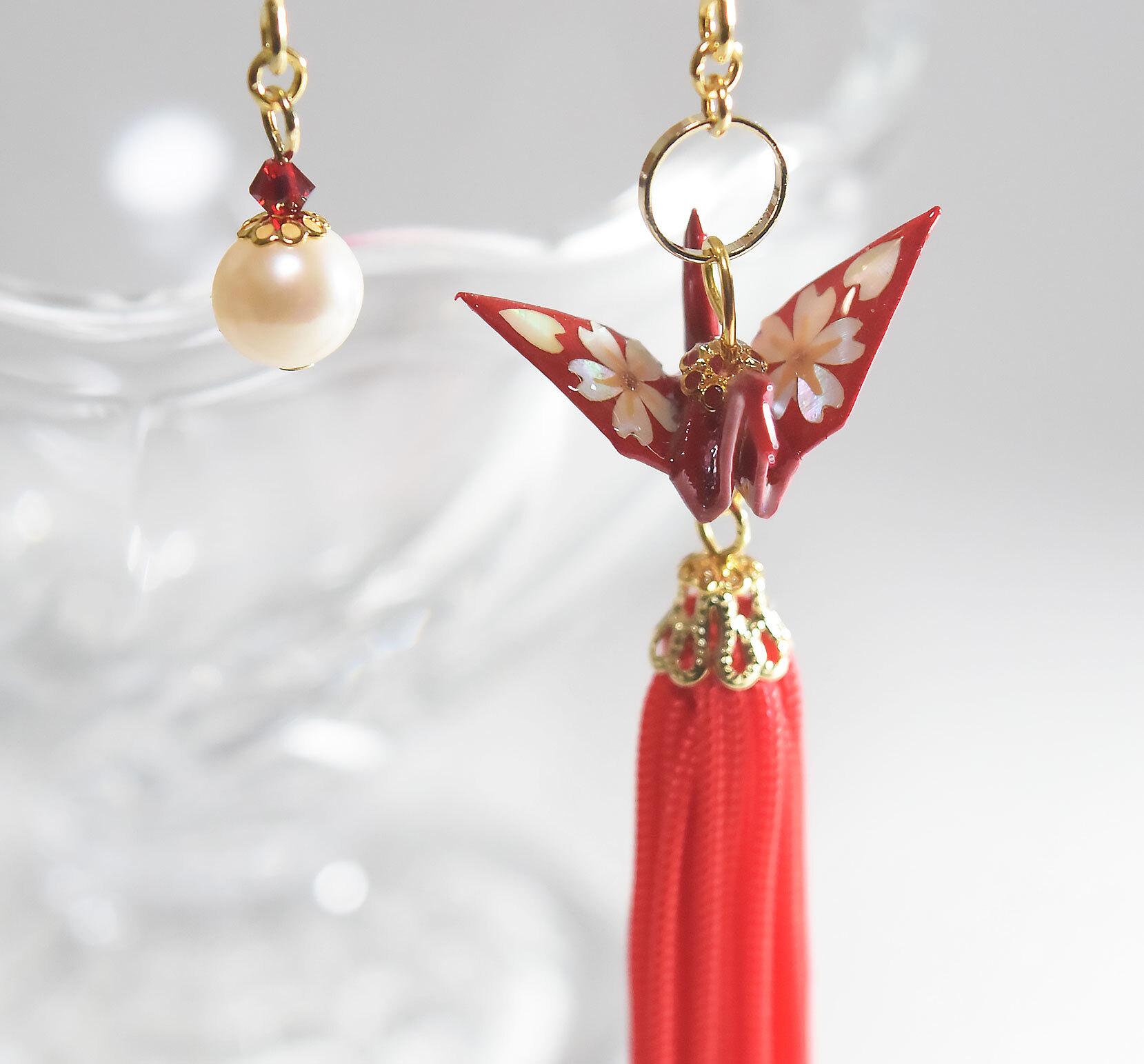 桜螺鈿折り鶴タッセルレッド