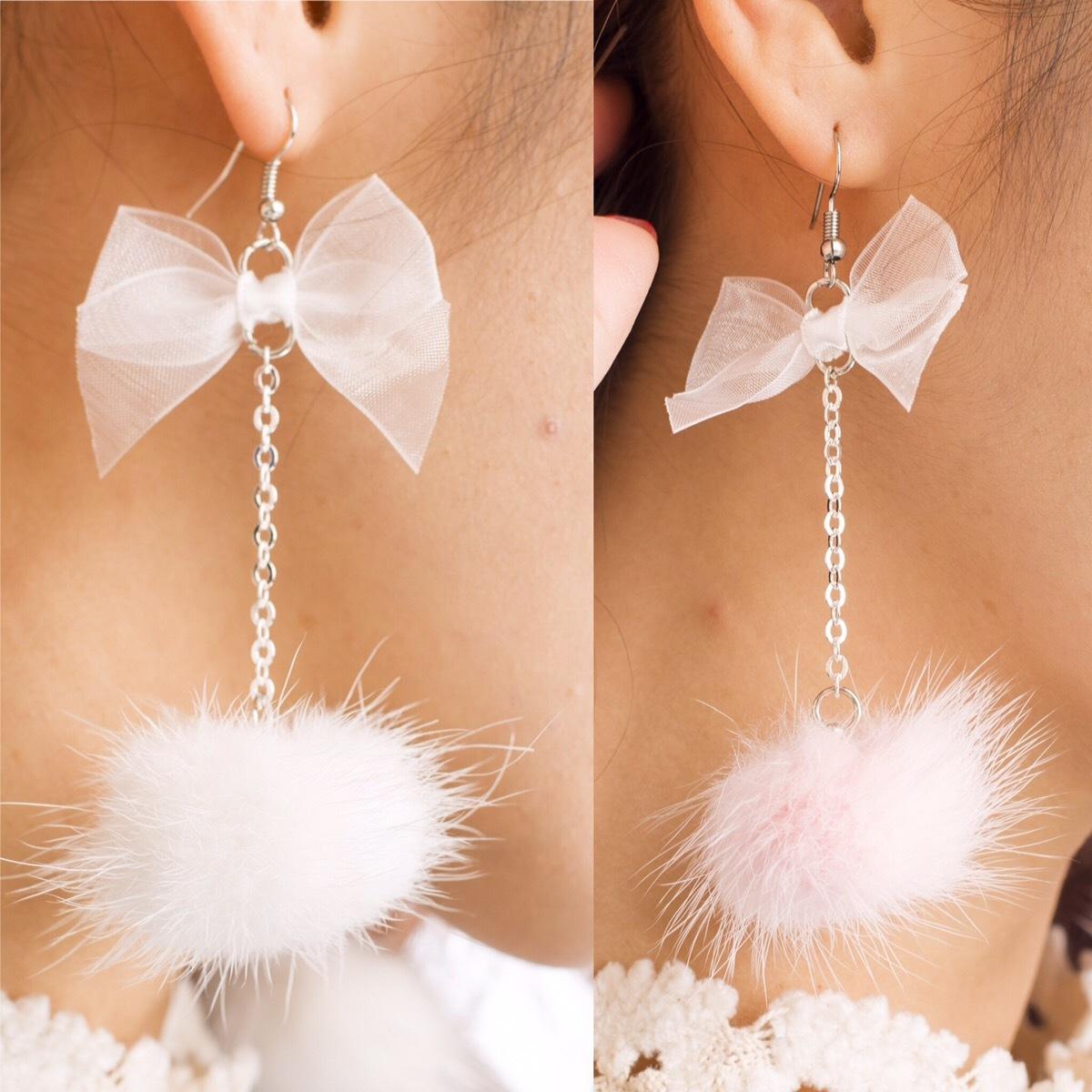 リボン×ふわふわファーピアス ホワイト・ベビーピンク2色