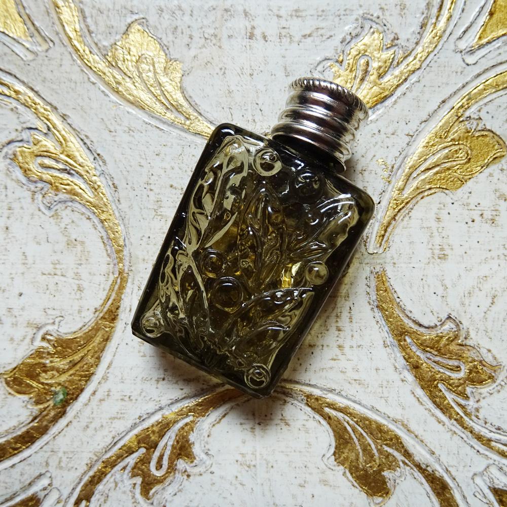 チェコスロバキア ボヘミアガラス 植物モチーフのミニパフュームボトル / グレー