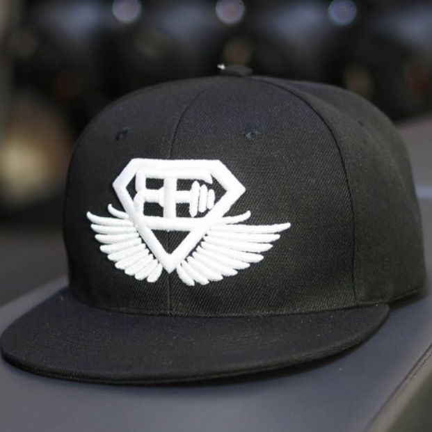 BODY ENGINEERS Snapback – Black out