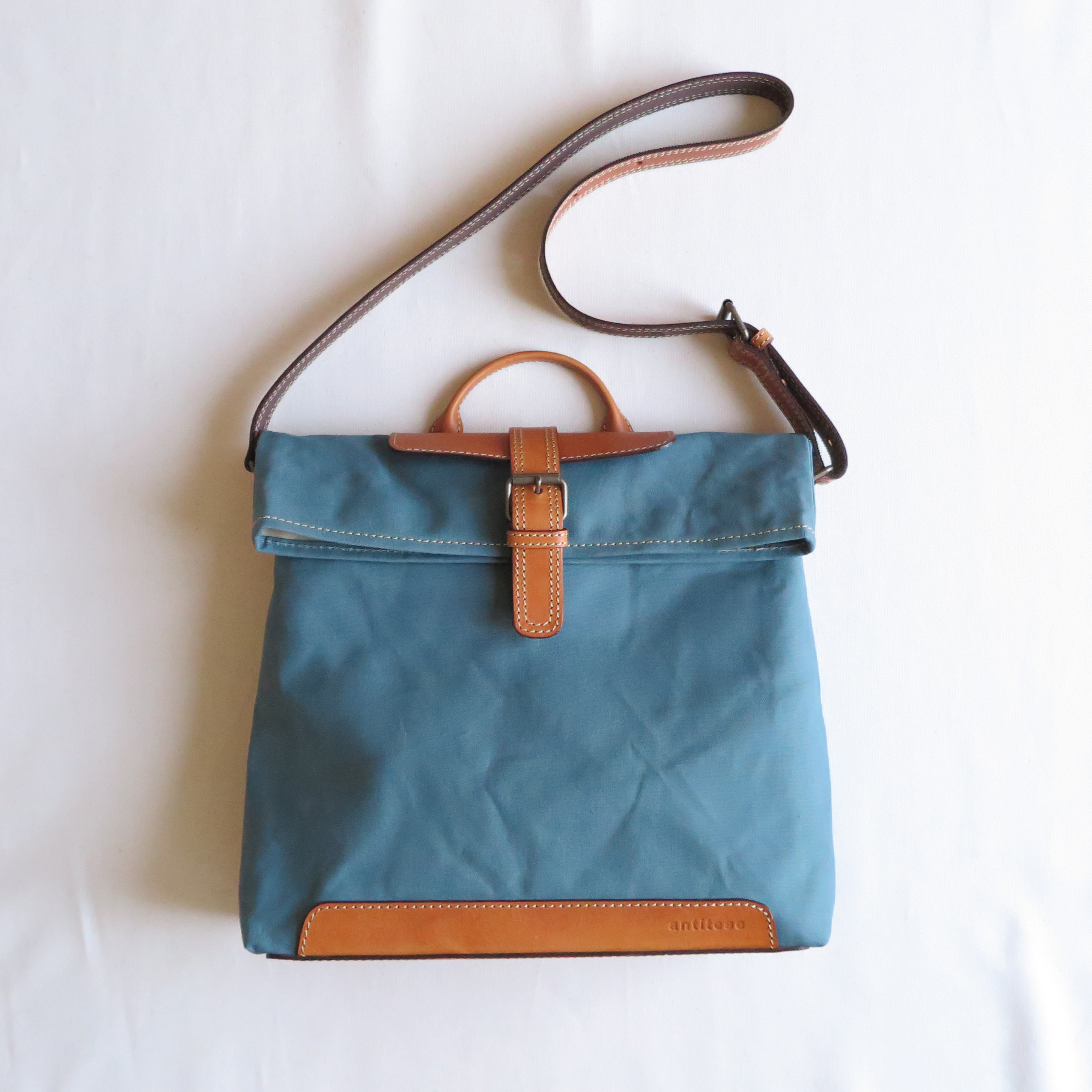 Paraffin canvas messenger bag BLUE