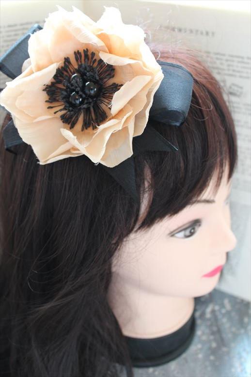 紅茶染の花のフォーマルネックレス
