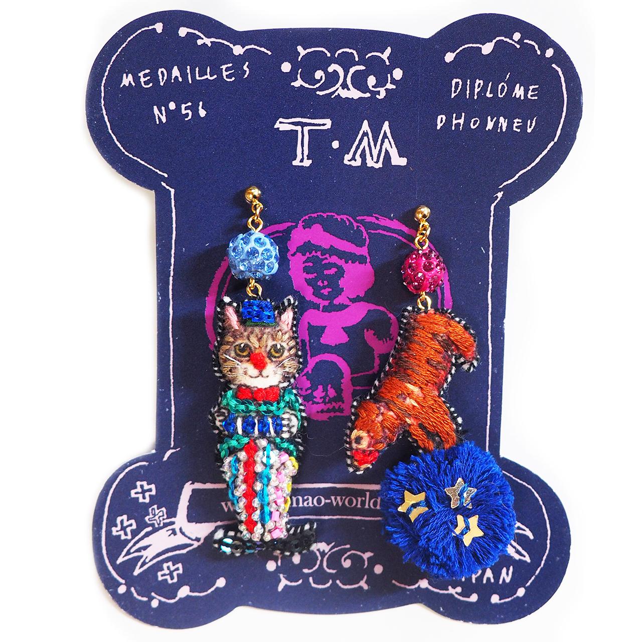 刺繍ピアス  Circus(cat&bear)