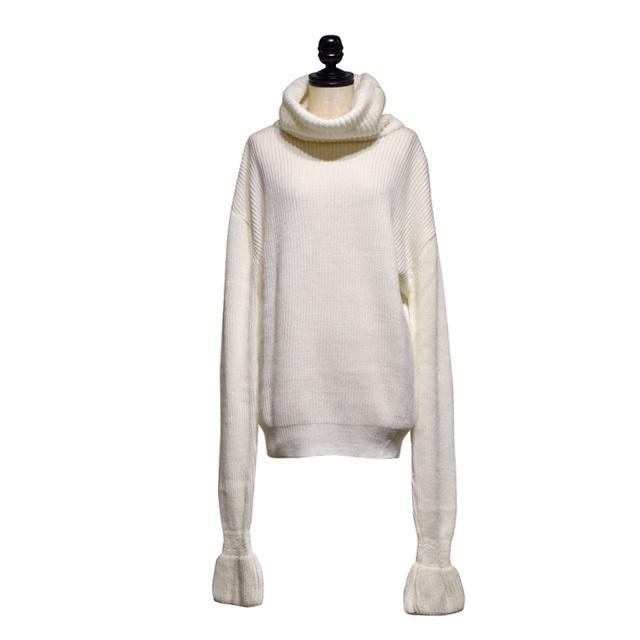 NATALIE KOLYOZYAN / Extra Long Sleeve Knitwear / Ecru