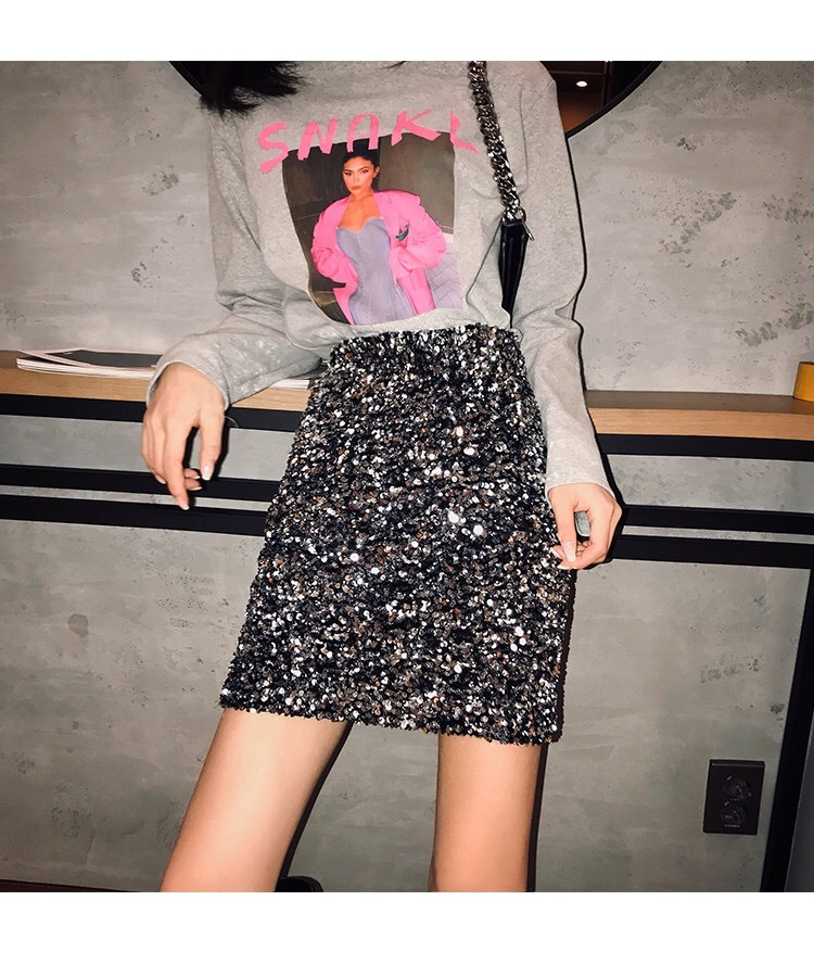 total spangle short skirt