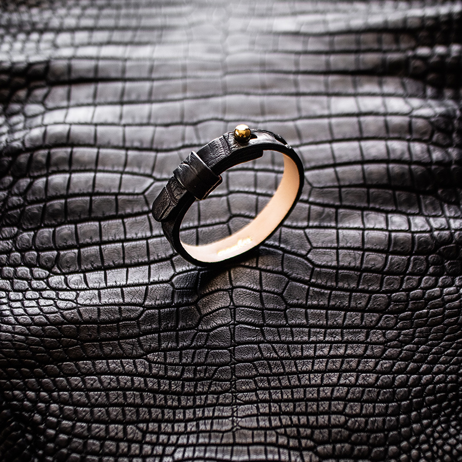 本クロコ革ブレスレット Crocodile Leather Bracelet
