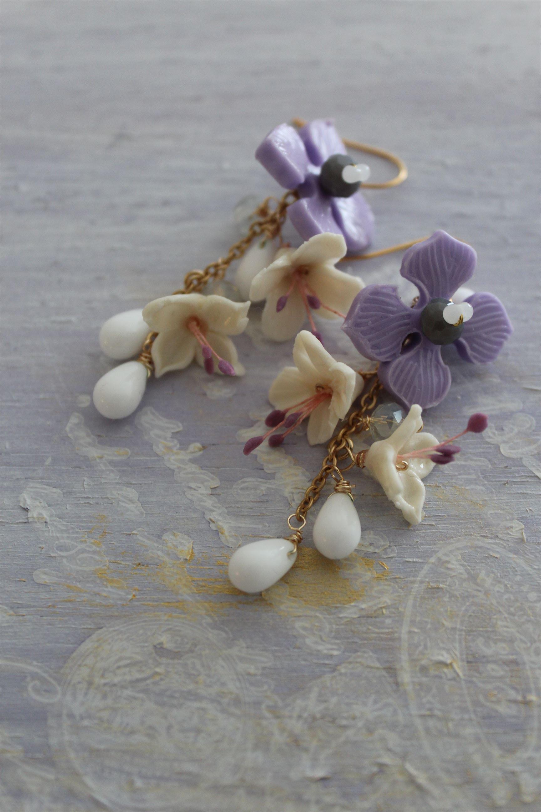 紫陽花と雫のゆらゆらピアス