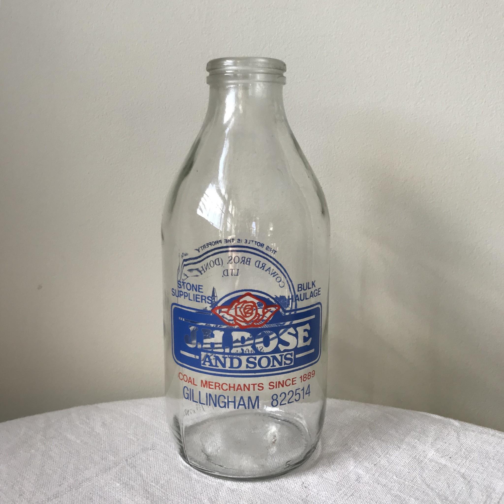 牛乳瓶 - バラ柄