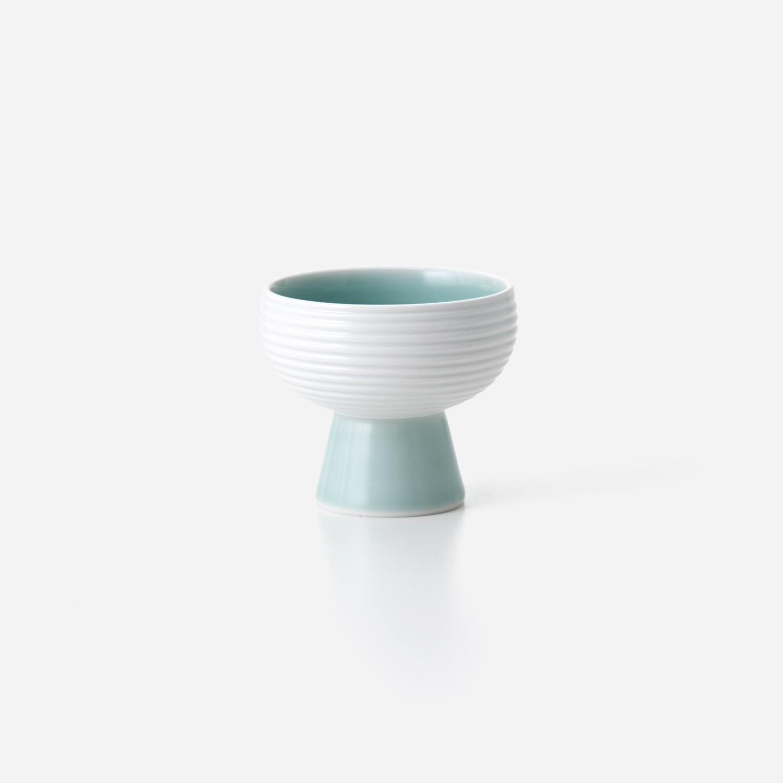 青磁白彩 高高台小鉢
