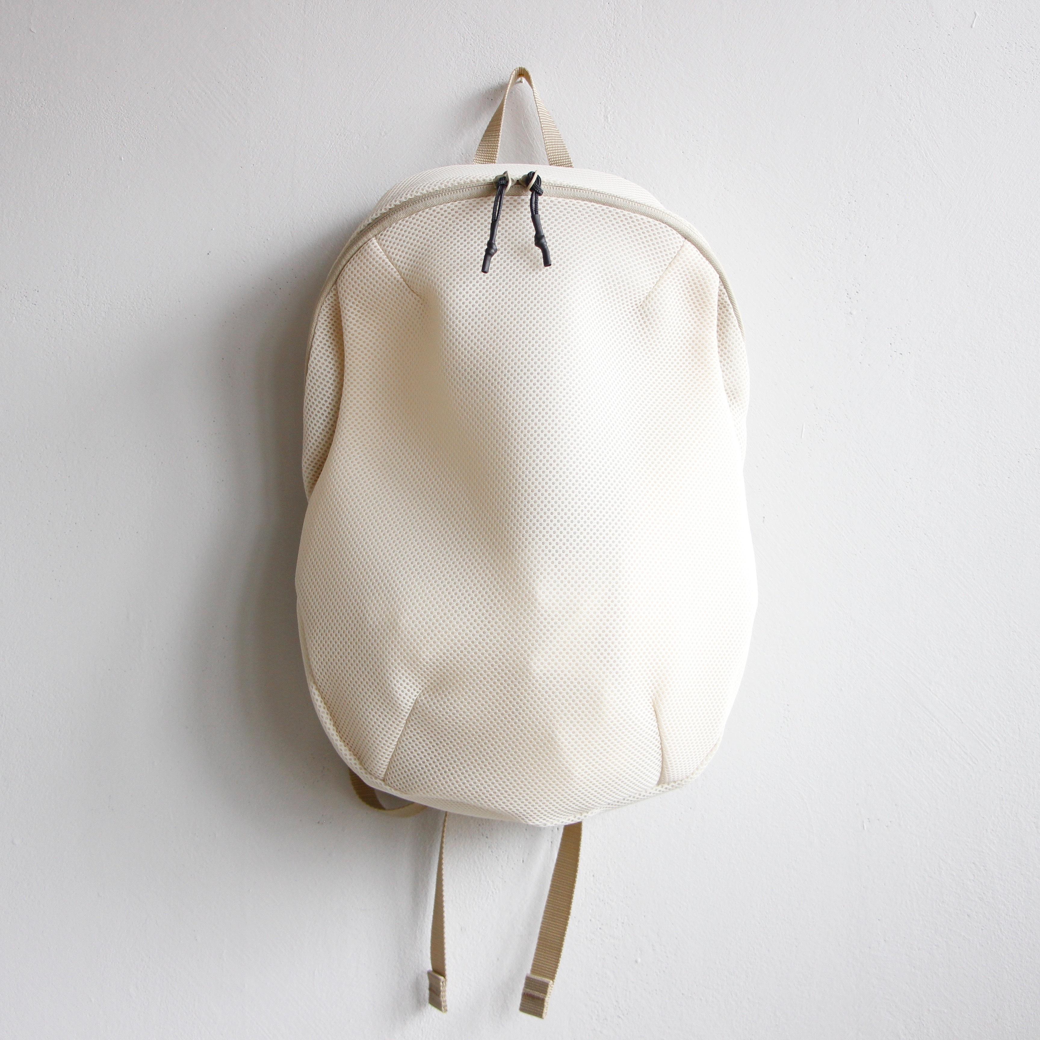 《MOUNTEN. 2020SS》double russell mesh daypack / sandbag