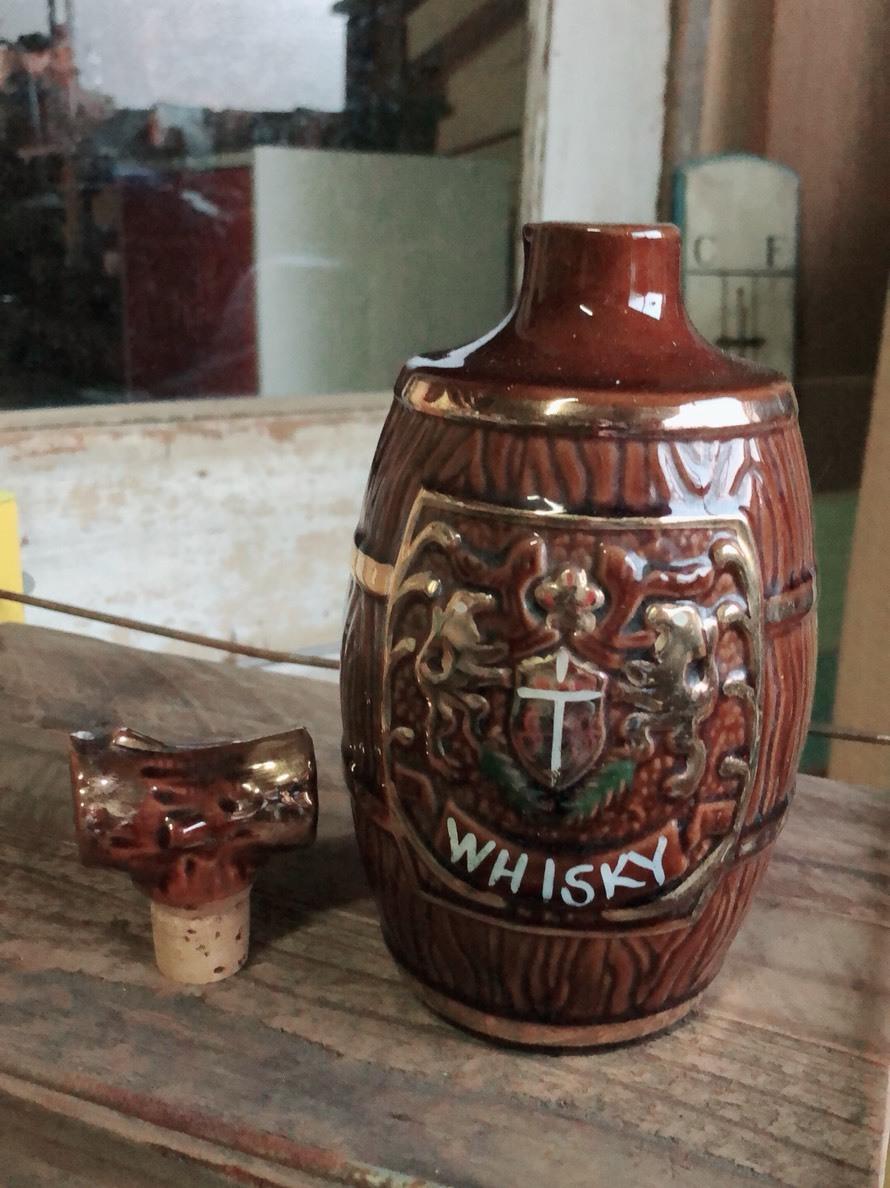 オシャレ  ウイスキーの空ビン