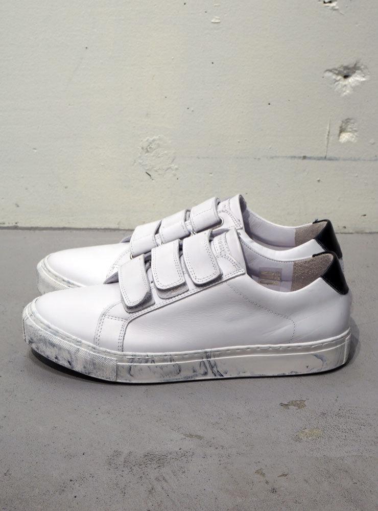 BORN//RAISED BR Bent Velcro marble ホワイト