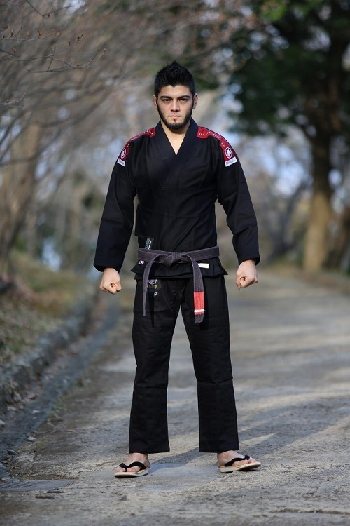送料無料!BULL TERRIER 柔術衣 Ultimate Light 2.0 黒|ブラジリアン柔術着