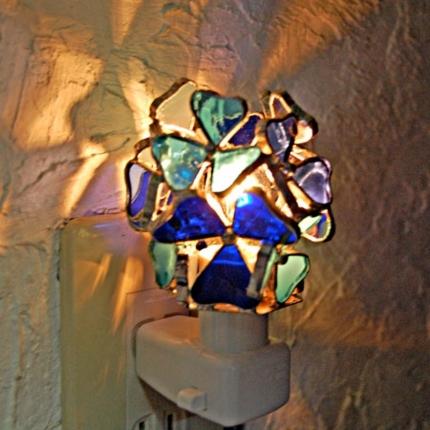 三つ葉(ステンドグラスのフットランプ)(コンセプトランプ) 01030006