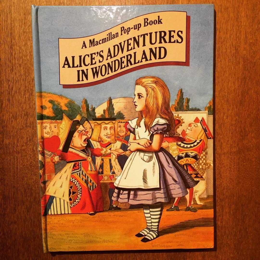 不思議の国のアリス ポップアップ絵本「Alice in Wonderland: A Macmillan Pop-up Book/Lewis Carroll」 - 画像1