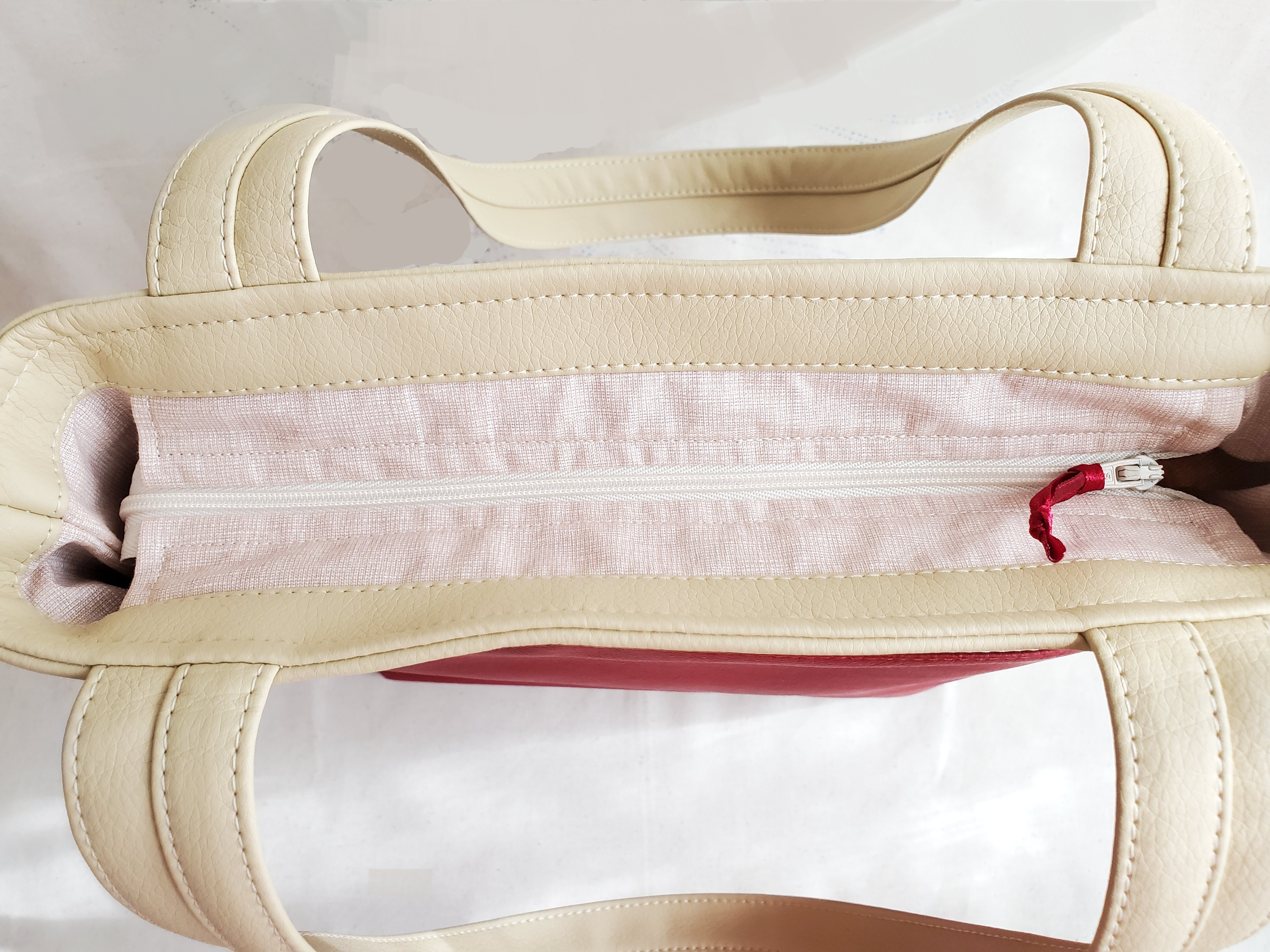 ザクロ柄のトートバッグ