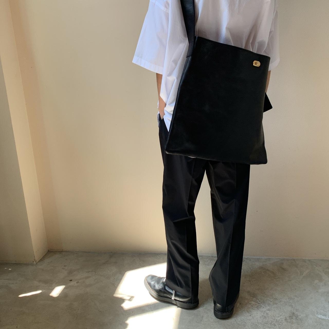 Hender Scheme - twist buckle bag L