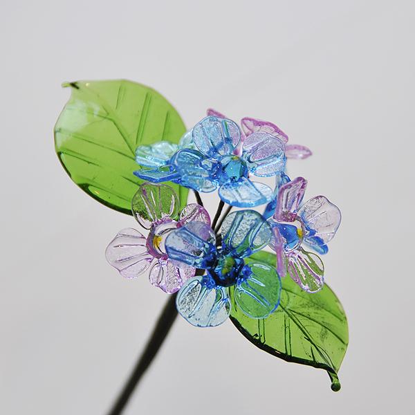 グラスフラワー あじさい(2枚の葉/ブルーとピンク)