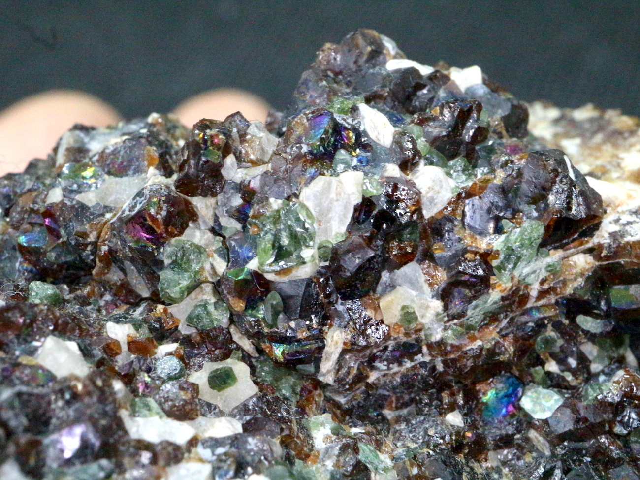 アンドラダイトダイオプサイド ウラストナイト 192g  VND007  鉱物 天然石 パワーストーン 原石