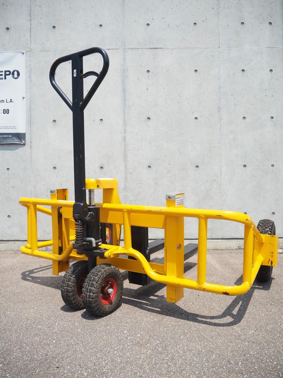 品番0374 フォークリフト / Forklift